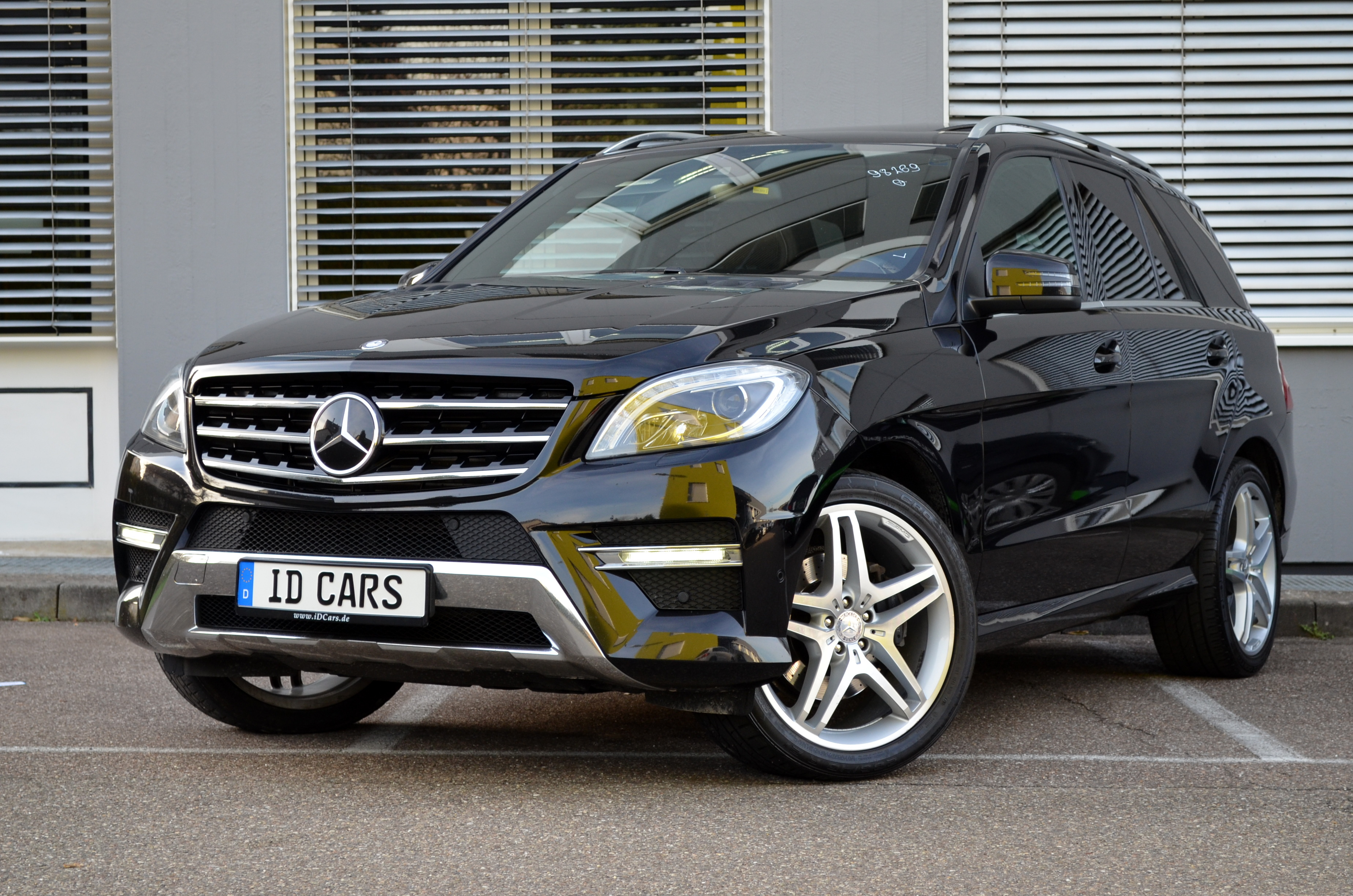 2012 mercedes benz ml 350 cdi bluetec edition 1 amg sport paket anghel toader gbr. Black Bedroom Furniture Sets. Home Design Ideas
